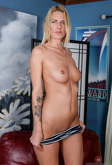 Blonde Chelsey Lanette