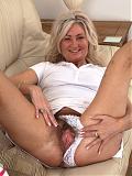 Hairy mature Ellen