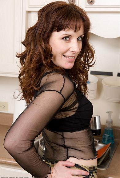 Helena Hairy Pussy
