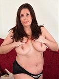 Hairy Mature Jessica Jay