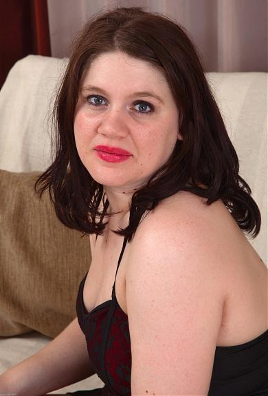 Hairy Girl Kayleigh Wilde