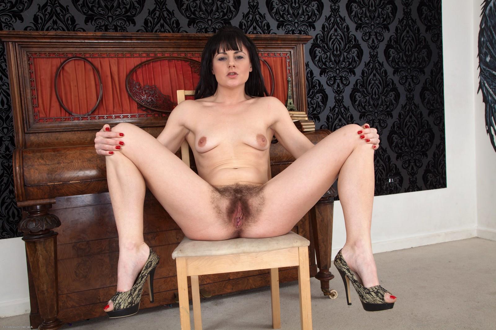 Lisa atk hairy