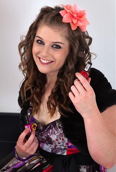 ATK Hairy model Natalie