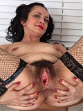 Hairy MILF Tracey-Anne