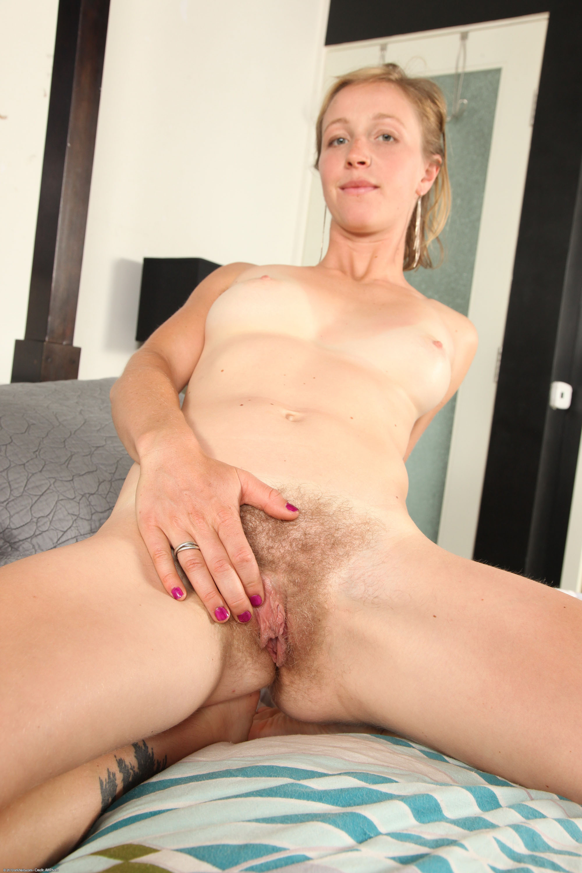 amkingdom hairy pussy blonde russian