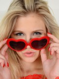 Blonde Scarlet Red