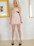 Blonde Henley Hart