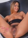 Hairy babe Jaye Summers
