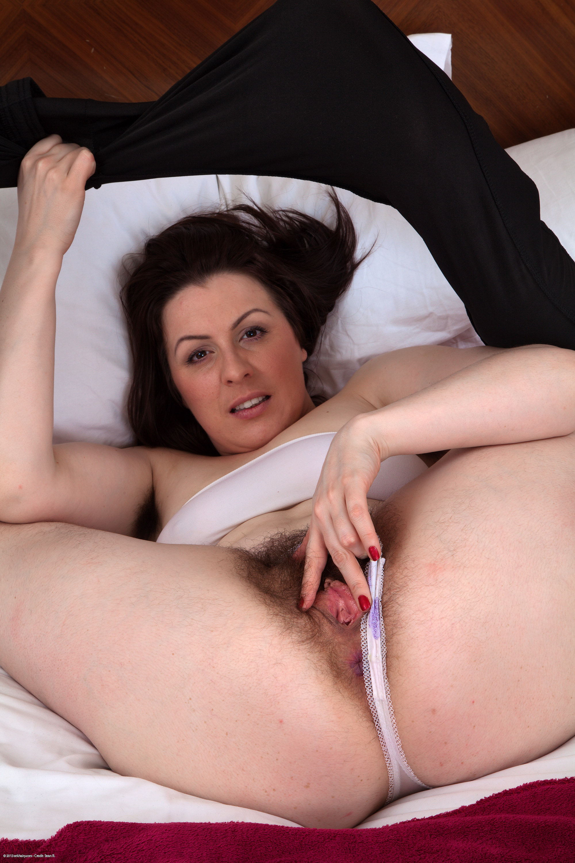 Mature pussy spread